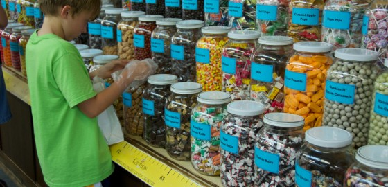 Chutters – Littleton, New Hampshire – World's Longest Candy Counter